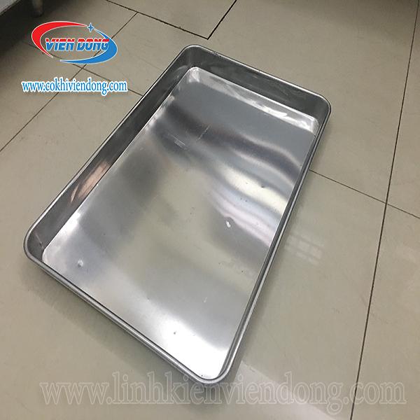 Sử dụng khay tủ nấu cơm liền khối không lỗ đúng cách