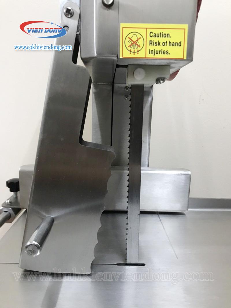 Máy cưa xương J310